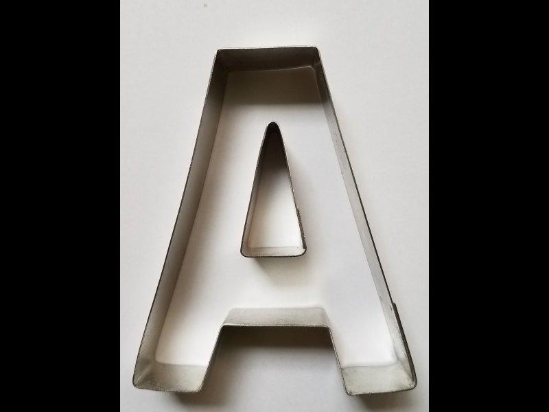 Letra A para galletitas- 9.5 cm altura