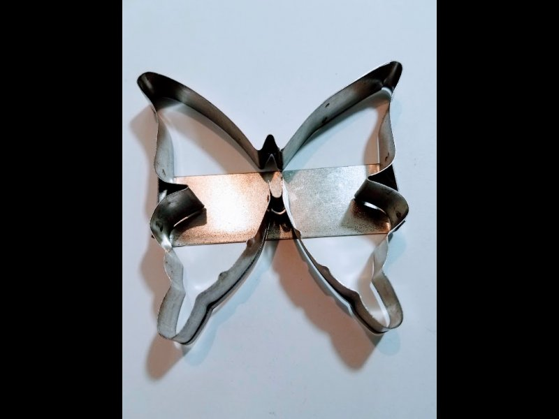 Mariposa Super  - 9 x 9 cm y medio
